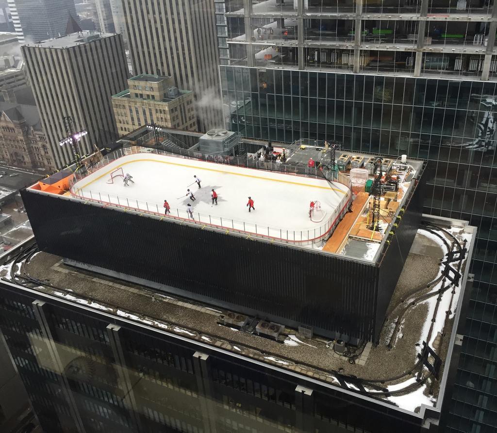 Rooftop-Hockey-Rink